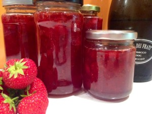 homemade strawberry and prosecco jam